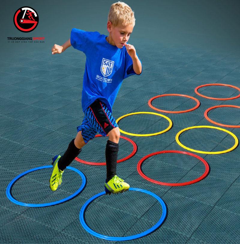 Vòng tròn tập chiến thuật bóng đá