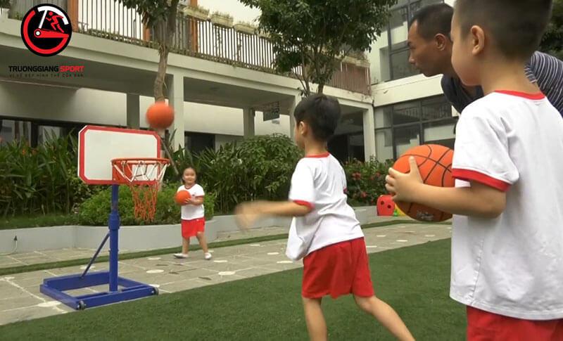 Địa chỉ bán cột bóng rổ cho trẻ em