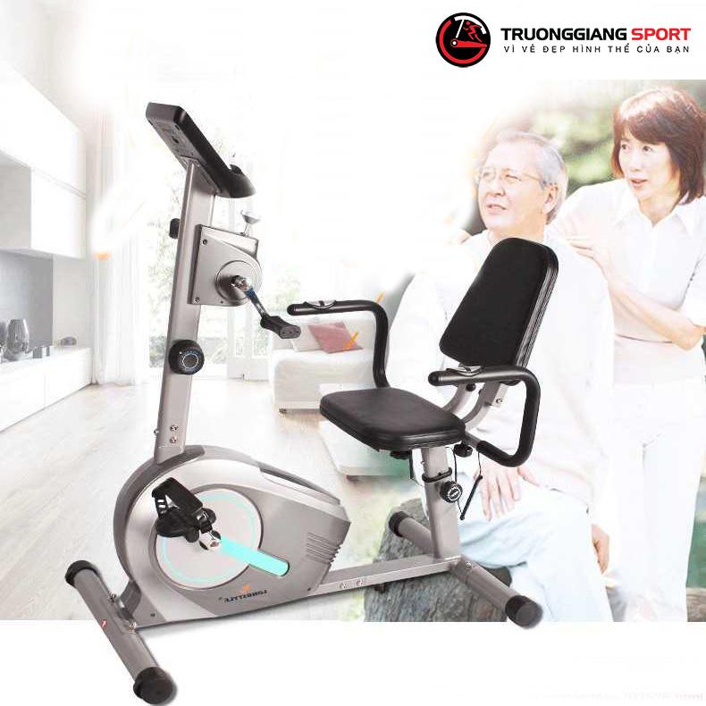 Cải thiện sức khỏe nhờ xe đạp thể dục cho người già