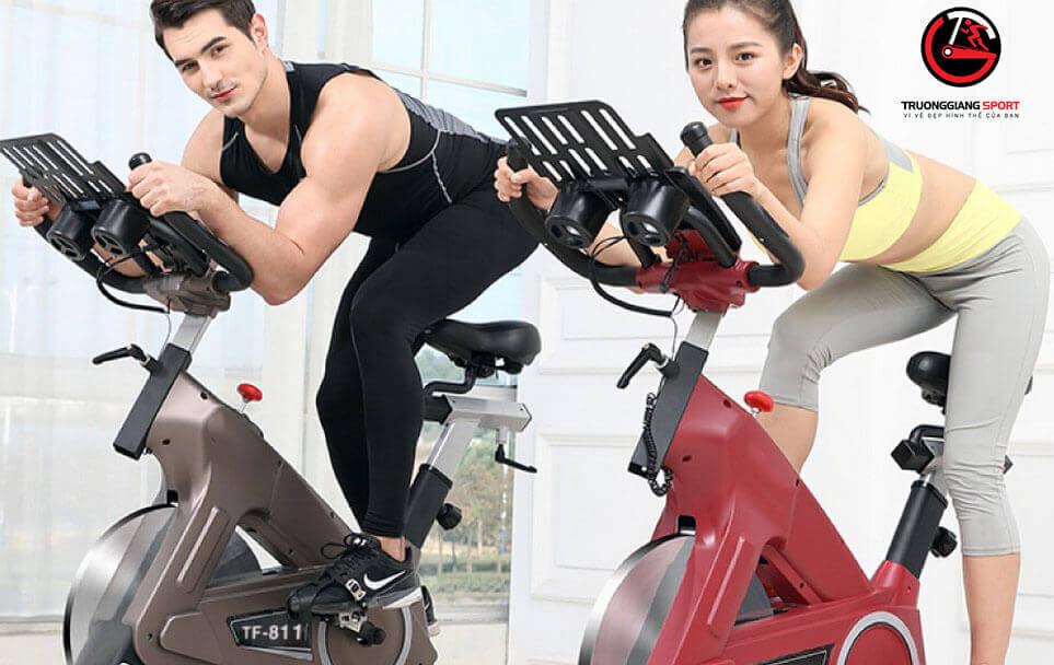Bảo vệ sức khỏe cho cả nhà phòng chống Covid -19 với xe đạp tập thể dục tại nhà