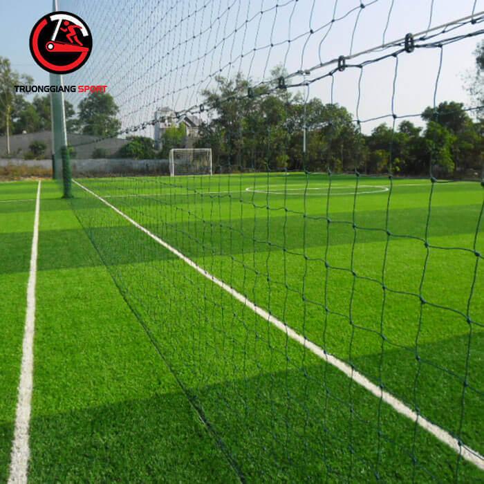 Lưới vây sân bóng đá